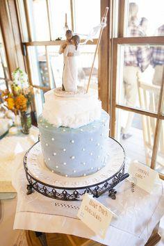 Something blue wedding cake idea! {Jessie Felix Photography}