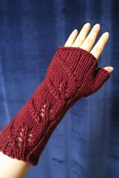 Free Knitting Pattern for Three Leaf Mitts - Brenda K. B. Anderson's fingerless mitts feature a leaf motif in lace. Pictured project by jacquain who said the project took 4 hours.
