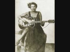 Memphis Minnie - Hoodoo Lady Blues
