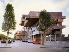 This building was the first large complex realized by MVRDV. The client, a large housing corporation, had made general studies of the arrangement of 100 units Innovative Architecture, Contemporary Architecture, Architecture Design, Arch Building, Multi Story Building, Urban Landscape, Condominium, Amsterdam, Facade