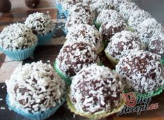 Fatima's delicious Koeksisters Recipe Koeksisters Recipe, Cookbook Recipes, Dessert Recipes, Bailey Truffles, Oil For Deep Frying, Czech Recipes, Hungarian Recipes, Instant Yeast, Christmas Sweets