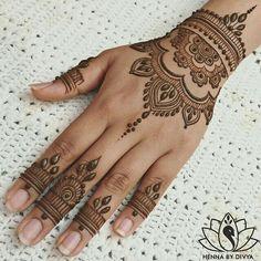 Hand tattoo with henna Orient I I Karneval Fasching …. Hand tattoo with henna Orient I I Carnival Carnival … Mehndi Tattoo, Henna Tattoo Designs, Henna Tattoo Muster, Tattoo Diy, Mehndi Designs For Hands, Henna Mehndi, Henna Art, Mehendi, Mandala Tattoo