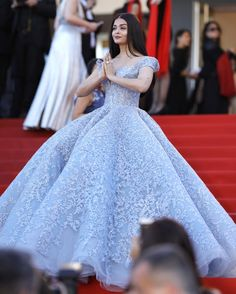 Aishwarya Rai Bachchan attends the 'Okja' screening during the annual Cannes Film Festival at Palais des Festivals on May 2017 in Cannes, France. Source by choklatepinky de xv azul francia Cannes Film Festival, Evening Dresses, Prom Dresses, Formal Dresses, Michael Cinco Gowns, Reception Gown, Palais Des Festivals, Red Carpet Gowns, Aishwarya Rai Bachchan