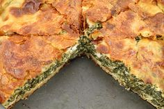 Spanakopita or spinach and feta pie is an exceptionally popular Greek savory pastry. Delicious hot or cold, it's always a crowd-pleaser. Greek Recipes, Pie Recipes, Buffet Recipes, Easy Recipes, Savory Pastry, Savoury Pies, Spinach And Feta, Fat Burning Foods, Plate