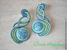 Reminder to look into soutache Soutache Necklace, Beaded Earrings, Earrings Handmade, Beaded Jewelry, Handmade Jewelry, Soutache Tutorial, Ribbon Crafts, Polymer Clay Jewelry, Beaded Embroidery