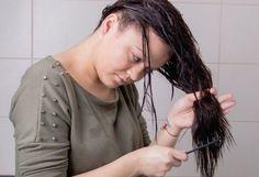 Fordított hajmosás - így nem fog zsírosodni és sokkal selymesebb lesz a hajad! Hair Beauty, Dreadlocks, Hair Styles, Dreads, Hairdos, Hairstyles, Box Braids, Haircut Styles