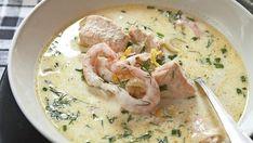 Sätt guldkant på vardagen med denna krämiga fisksoppa med räkor, dill och citron.