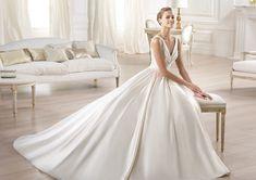 Pronovias te presenta el vestido de novia Ocumo. Glamour 2014. | Pronovias info@avenue22.ca