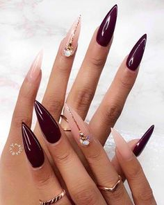 Two tone nails are very popular nowadays. You must have seen many models and celebrities show off beautiful manicured nails with the coolest two tone nail designs on them. As the name suggests, two tone nails art means that the wearer uses two differ Pointy Nails, Stiletto Nail Art, Cute Acrylic Nails, Gel Nails, Nail Nail, Stiletto Nail Designs, Nail Tech, Coffin Nails, Nail Polish