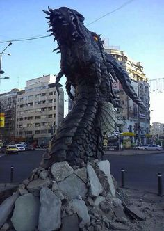 Awesome Art / Dragon / Sculpture