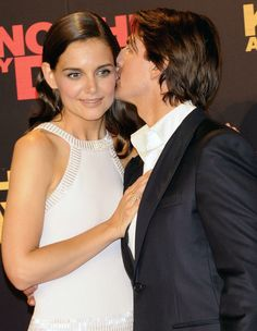 Photo Gallery: Awkward Kisses: Tom Cruise and Katie Holmes