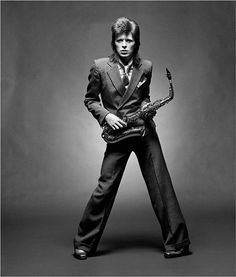 God Bless @davidbowie, an amazing artist, a beautiful human being. We will never forget you.... xM