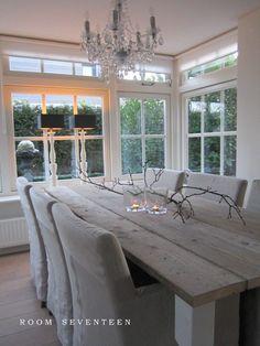 https://i.pinimg.com/236x/44/e4/8c/44e48c067aa0e98067a3780d1fa74b4a--rustic-dining-rooms-dining-room-design.jpg
