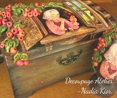 made by Decoupage Atelier - Nadia Kior Decoupage, Decorative Boxes, Painting, Home Decor, Art, Atelier, Art Background, Decoration Home, Room Decor