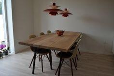 Langbord af planker i Ask m/Hay-bordben