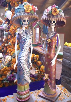 """day of the dead catrinas - I feel like this belongs on the """"Real Women Wore Hats"""" board! Day Of The Dead Artwork, Day Of The Dead Skull, Halloween Makeup, Halloween Costumes, Halloween Halloween, Vintage Halloween, Teacher Costumes, Zombie Costumes, Kid Costumes"""