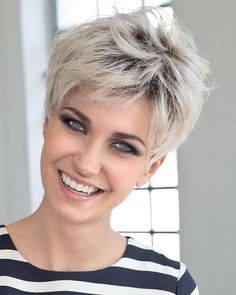 Icy Short Pixie Cut - 60 Cute Short Pixie Haircuts – Femininity and Practicality - The Trending Hairstyle Stylish Short Haircuts, Short Pixie Haircuts, Pixie Hairstyles, Hairstyles 2018, Haircut Short, Shaggy Short Hair, Short Bobs With Bangs, School Hairstyles, Latest Hairstyles