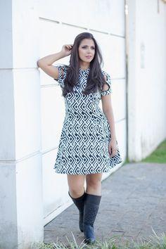 Olá Virtuosas, tudo bem com vocês?A dica de look hoje é este vestido super fashion preto e branco!                                                                                                                                                      Mais
