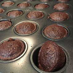 Two Bite Brownies (Mennonite Girls Can Cook) 2 Bite Brownies, Mini Brownies, Fudge Brownies, Keto Chocolate Cake, Chocolate Cookies, Chocolate Lovers, Chocolate Muffins, Amish Recipes, Baking Recipes