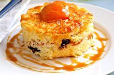 Recept : Vaječná tlačenka | ReceptyOnLine.cz - kuchařka, recepty a inspirace Hummus, French Toast, Muffin, Food And Drink, Pudding, Breakfast, Desserts, Fine Dining, Morning Coffee