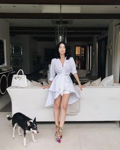 Happily reunited with this photobomber of mine. Casual Chic Style, Preppy Style, White Fashion, Urban Fashion, Heart Evangelista Style, Filipino Fashion, Corporate Attire, Stylish Blouse Design, Classy Women