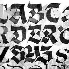 Calligraphy Discover Étude Fractur Calligraphy by Julien Priez Graffiti Alphabet Styles, Graffiti Lettering Fonts, Gothic Lettering, Tattoo Lettering Fonts, Lettering Styles, Types Of Lettering, Calligraphy Fonts Alphabet, Calligraphy Doodles, Calligraphy Signs