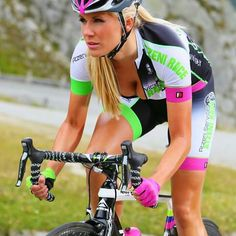 Learning to ride a bike is no big deal. Learning the best ways to keep your bike from breaking down can be just as simple. Bicycle Women, Bicycle Race, Bicycle Girl, Recumbent Bicycle, Bicycle Workout, Cycling Girls, Cycling Wear, Cycling Outfit, Zwift Cycling