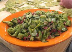 Ricette Alessandra Spisni: tortelloni verdi con prosciutto e zucchine