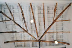 #StudioPipitone_TramuraBrasserie  Tramura Brasserie, Mura di Tramontana, Trapani.  Progetto di ristrutturazione, degli interni, degli elementi di arredo e del sistema di illuminazione; selezione dei prodotti.  #TramuraBrasserie #StudioPipitone #studio #architettura #ingegneria #design - #progetto #ristrutturazione #interni #arredi #illuminazione  Materiali: #legno #rovere #fasciame #ottone Brasserie, su due livelli tra le Mura di Tramontana e il centro storico di Trapani…