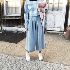 Gingham top with Denim culottes It's Spring Somewhere Modern Hijab Fashion, Street Hijab Fashion, Hijab Fashion Inspiration, Muslim Fashion, Modest Fashion, Fashion Outfits, Casual Hijab Outfit, Hijab Chic, Hijab Dress