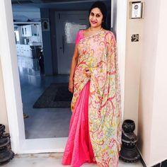 Madhuri Atluri Kerala Saree, Indian Silk Sarees, Kalamkari Kurti, Beauty Full Girl, Beauty Women, House Of Blouse, Saree Models, Casual Saree, Saree Styles