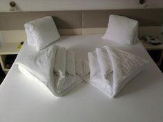 einfach genial handt cher falten wie im hotel haushaltstipps pinterest handt cher falten. Black Bedroom Furniture Sets. Home Design Ideas