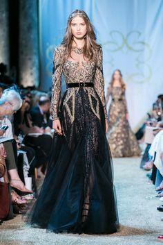 Elie Saab Fall Winter 2017 Haute Couture Fashion Show Beautiful Dresses, Nice Dresses, Elie Saab Fall, Party Frocks, Elie Saab Couture, Fashion Show, Fashion Design, Live Fashion, Fashion News