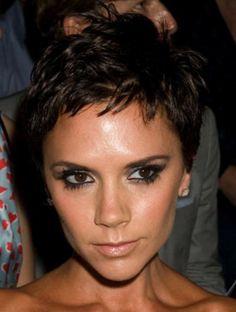 http://trendyshorthaircuts.com/wp-content/uploads/2011/11/Victoria-Beckham-short-hairstyle.jpg