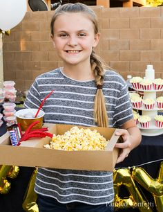 A backyard movie night is a perfect birthday party idea for 10 year old kids. A backyard movie night Backyard Movie Party, Backyard Birthday Parties, Backyard Movie Nights, Outdoor Birthday, 13th Birthday Parties, 9th Birthday, Birthday Cake, 9 Year Old Girl Birthday, 13th Birthday Party Ideas For Girls
