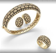 By CRYSTAL GOH Italian jewelry designer Roberto Coin draws his latest inspiration from the kingdom of beasts in the new Animalier Collection, injecting the spirit of the wild in his unique glittering masterpieces. Fantasy Jewelry, Jewelry Art, Jewelry Accessories, Fine Jewelry, Jewelry Design, Fashion Jewelry, Diamond Bangle, Diamond Necklaces, Roberto Coin