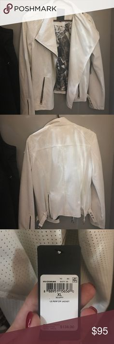 NWT NEVER WORN WHITE GUESS JACKET LONG-SLEEVE ZIP MOTO JACKET.Moto meets glamour in this essential faux-leather jacket. Gold-tone zipper details play off perforated texture for a modern street-style look you'll wear through fall and beyond. Faux-leather jacket. Notched collar. Long sleeves with zippered cuffs.Perforation at sides. Functional zipper detail at collar and lower back. Buckle detail at side hems. Two front zipper pockets.Off-center front zipper closure. Lined. Shell: 100%…