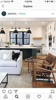 Once found only in the rear of the house, today's kitchen design takes the kitchen out the background. The challenge for kitchen design is in creat… Living Tv, Home Living Room, Living Spaces, Kitchen Living, Ideas Decoracion Salon, Home Interior, Interior Design, Apartment Decoration, Basement Remodeling