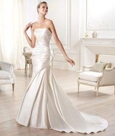 Trumpet Mermaid Strapless Court Train Ivory Satin Wedding Dress B14P0038