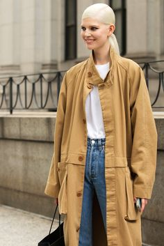 30 Folks Who Dressed Normal To Fashion Week #refinery29  http://www.refinery29.com/normal-outfits#slide6