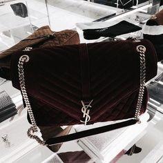Bid online for designer handbags up for auction from seized assets and estate sales. Brands include Gucci, Louis Vuitton, Chanel and more. Luxury Bags, Luxury Handbags, Purses And Handbags, Handbag Accessories, Fashion Accessories, Fashion Jewelry, Yves Saint Laurent, Sacs Design, Louis Vuitton
