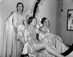 Grace Bros mannequin parade, Sydney, November 1936 / Sam Hood by State Library of New South Wales collection, via Flickr