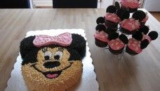 Minnie Mouse Cake No fondant Minie Mouse Party, Mickey Party, Mickey Mouse Cake, Minnie Mouse Cake, Girls Birthday Party Themes, Birthday Parties, Birthday Cakes, 2nd Birthday, Birthday Ideas