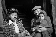 Vintage Images of African American Families We Love! - Black Southern Belle Irish American, African American History, American Girls, Ethnic Hairstyles, Hairstyles 2016, Short Hairstyles, Haircuts, Weave Hairstyles, The Great Migration