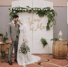16 Ideas For Decor Wedding Minimalist Wedding Stage Backdrop, Wedding Backdrop Design, Wedding Stage Decorations, Engagement Decorations, Decor Wedding, Kebaya Wedding, Muslimah Wedding Dress, Hijab Wedding Dresses, Malay Wedding Dress