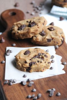 Healthy Gluten Free Chocolate Chip Cookies recipe, 6-ingredients turn into gooey moist chocolate chip cookies that are a healthy and skinny chocolate chip cookie.