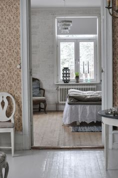 Looks so familiar . Cottage Style, Farmhouse Style, Guest Room Office, Country Interior, Summer Kitchen, Scandinavian Interior, Dream Bedroom, Rustic Kitchen, Home Accents