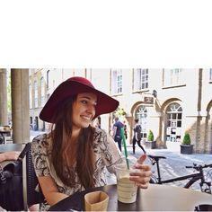 "126 curtidas, 12 comentários - Natália Catelan (@nataliacatelan) no Instagram: ""One more from yesterday #summerinlondon #london #starbucks"""