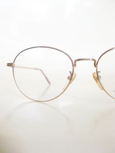 edbd42c027 Men s Round Glasses Vintage 1980s Gold Wire Rim Metallic Shiny Geek Chic  Nerdy Hipster Eyeglasses Deadstock NOS New Old Stock Classic