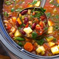 Homemade Minestrone Soup {Slow Cooker}